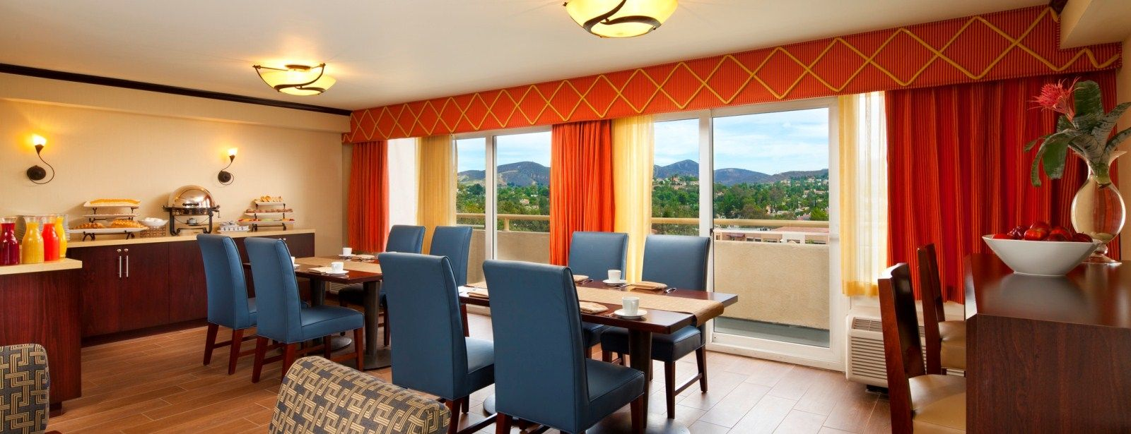 Sheraton Agoura Hills Hotel - Club Level Room